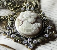 antique-brooch-in-north-notts.jpg